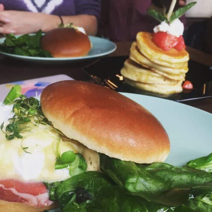 De lekkerste lunchplekken van Rotterdam (inclusief mimosa's)
