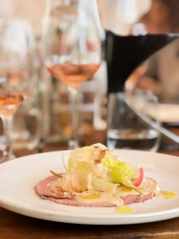chateau gassier rose met vitello tonato