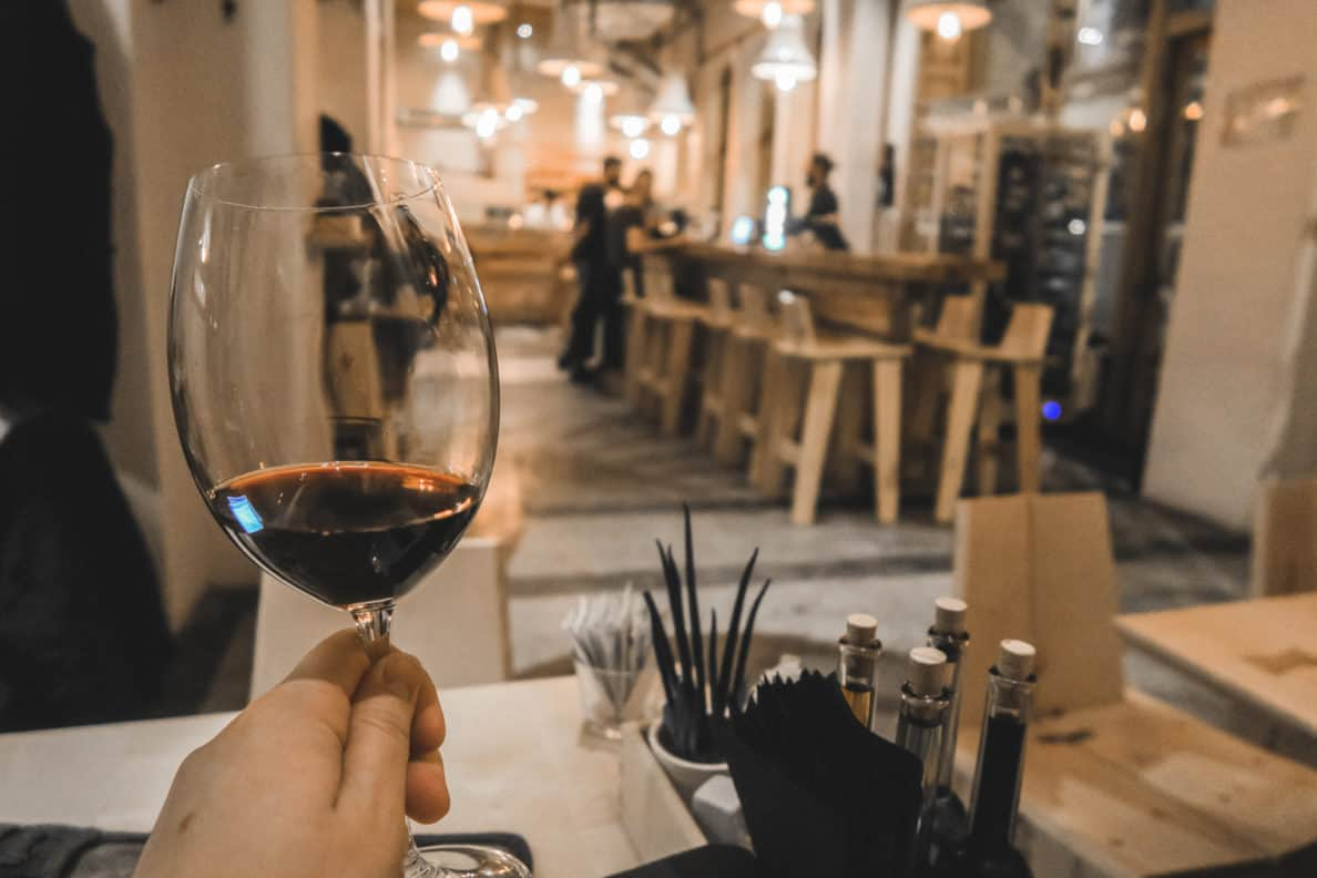 WIJNREIS: 3 wijnbars in Boekarest
